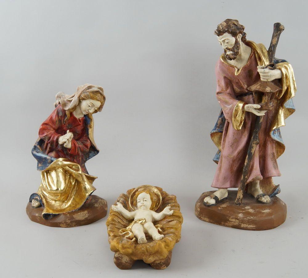Krippenfiguren, die heilige Familie, Maria, Josef und das Jesuskind, Holz geschnitzt undgefasst, 44/31 cm