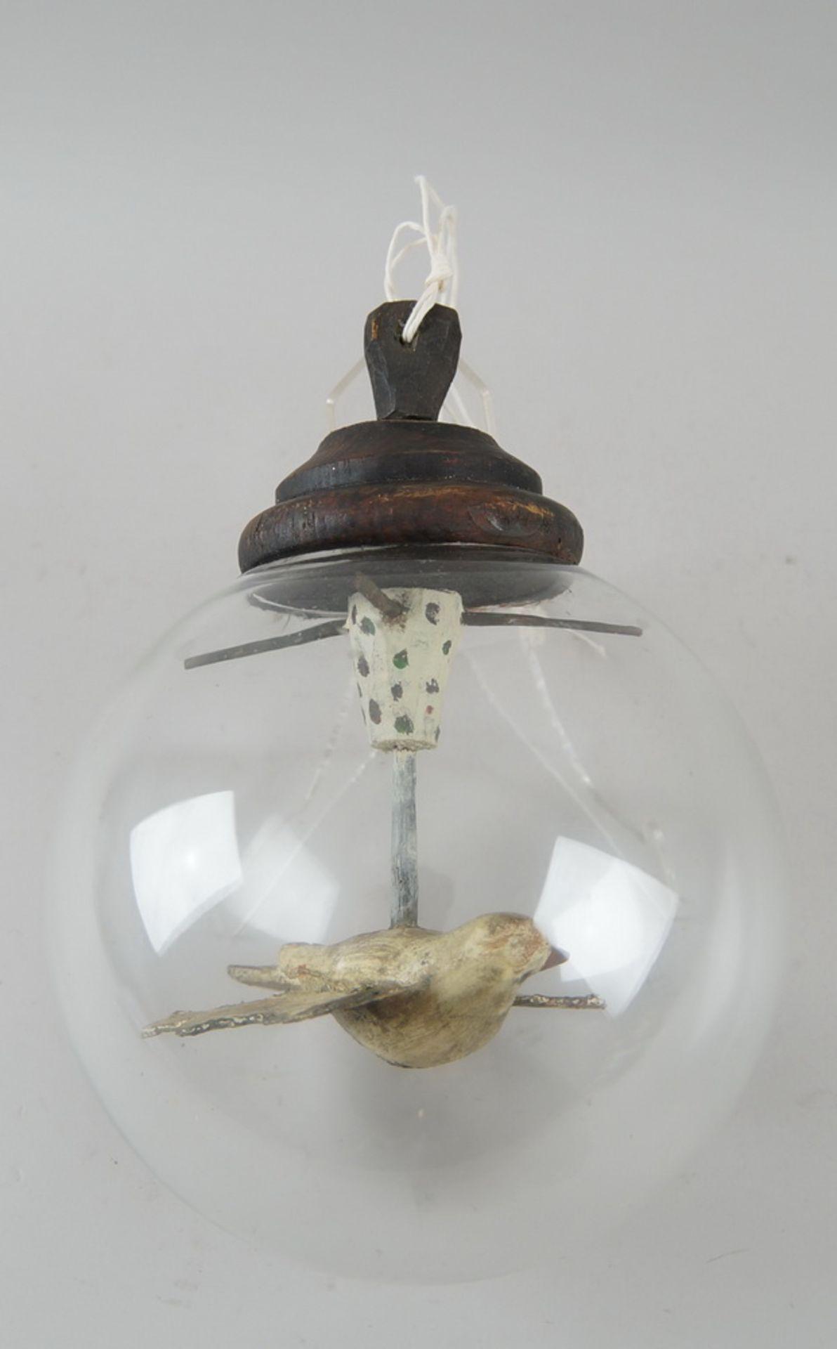 Los 6 - Suppenbrunzer, Heiliggeisttaube in Glaskugel, Holz geschnitzt und gefasst, Durchmesser17cm, H 23cm