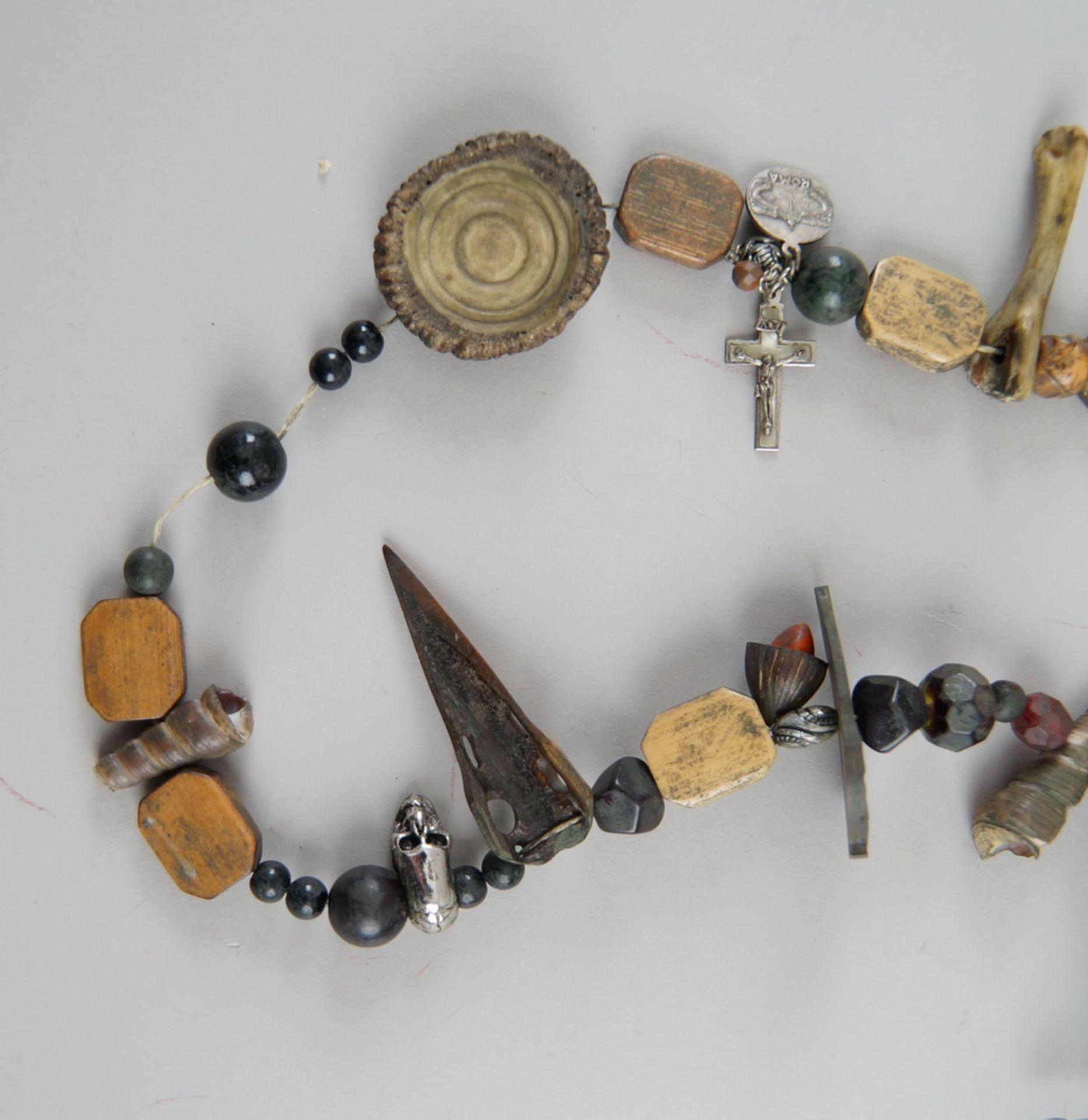 Los 4 - Fraisenkette mit verschiedenen Segenszeichen, L 78 cm