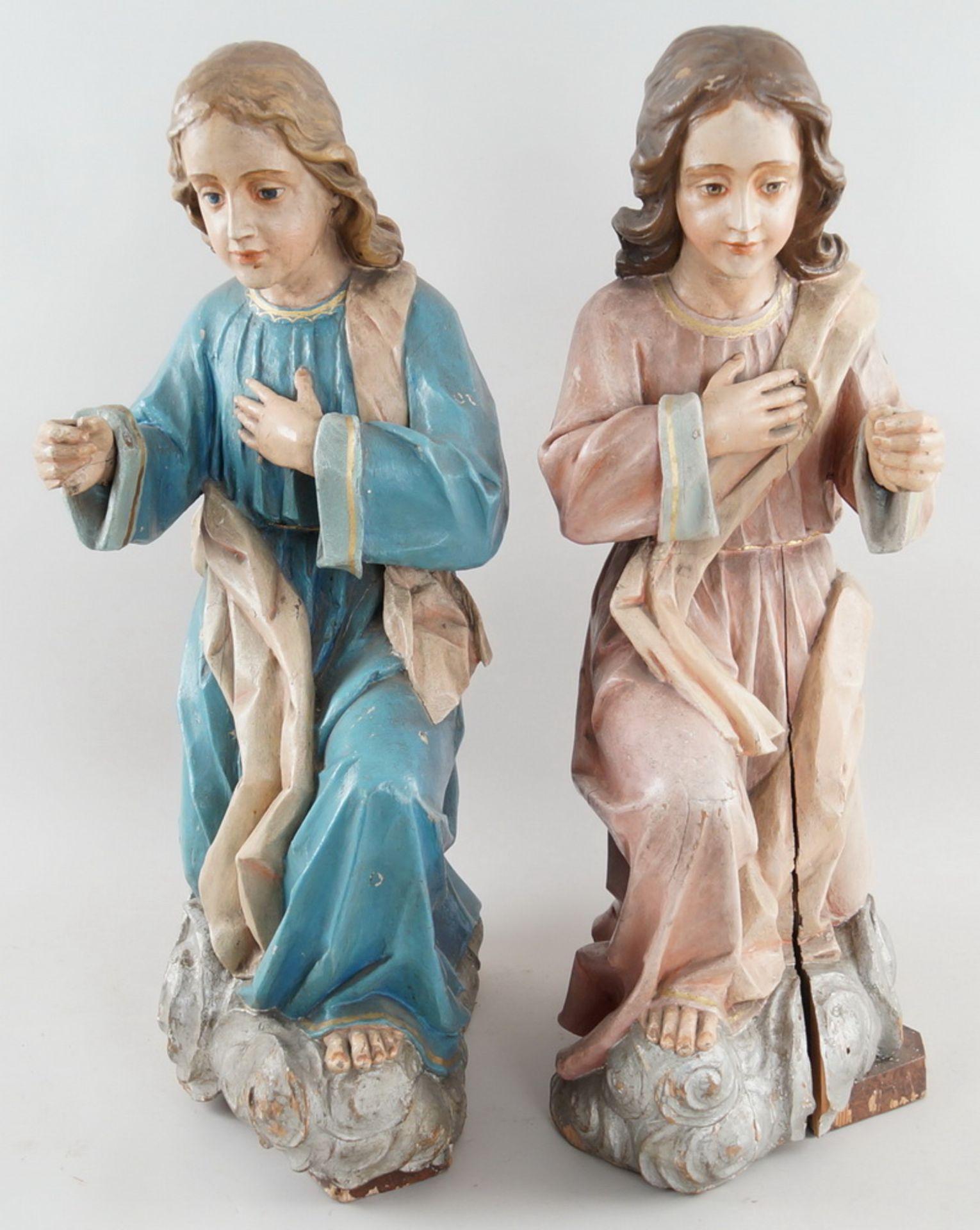 Zwei kniende Engel mit Flügel, 18. JH, Holz geschnitzt und gefasst, rest.-bed., H je 73cm - Bild 11 aus 15