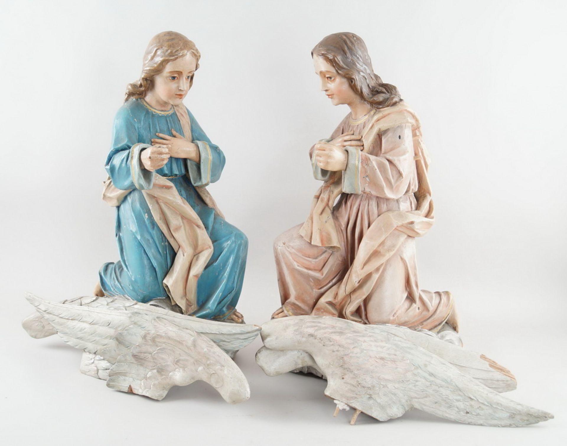 Zwei kniende Engel mit Flügel, 18. JH, Holz geschnitzt und gefasst, rest.-bed., H je 73cm
