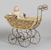 """""""Baby-Gloria"""" von Armand Marseille mit PuppenwagenBiskuitporzellan-Vollkopf mit geöffnetem Mund,"""