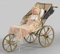 Große Babypuppe von Armand Marseille mit großer PuppenkarreBiskuitporzellan-Vollkopf mit