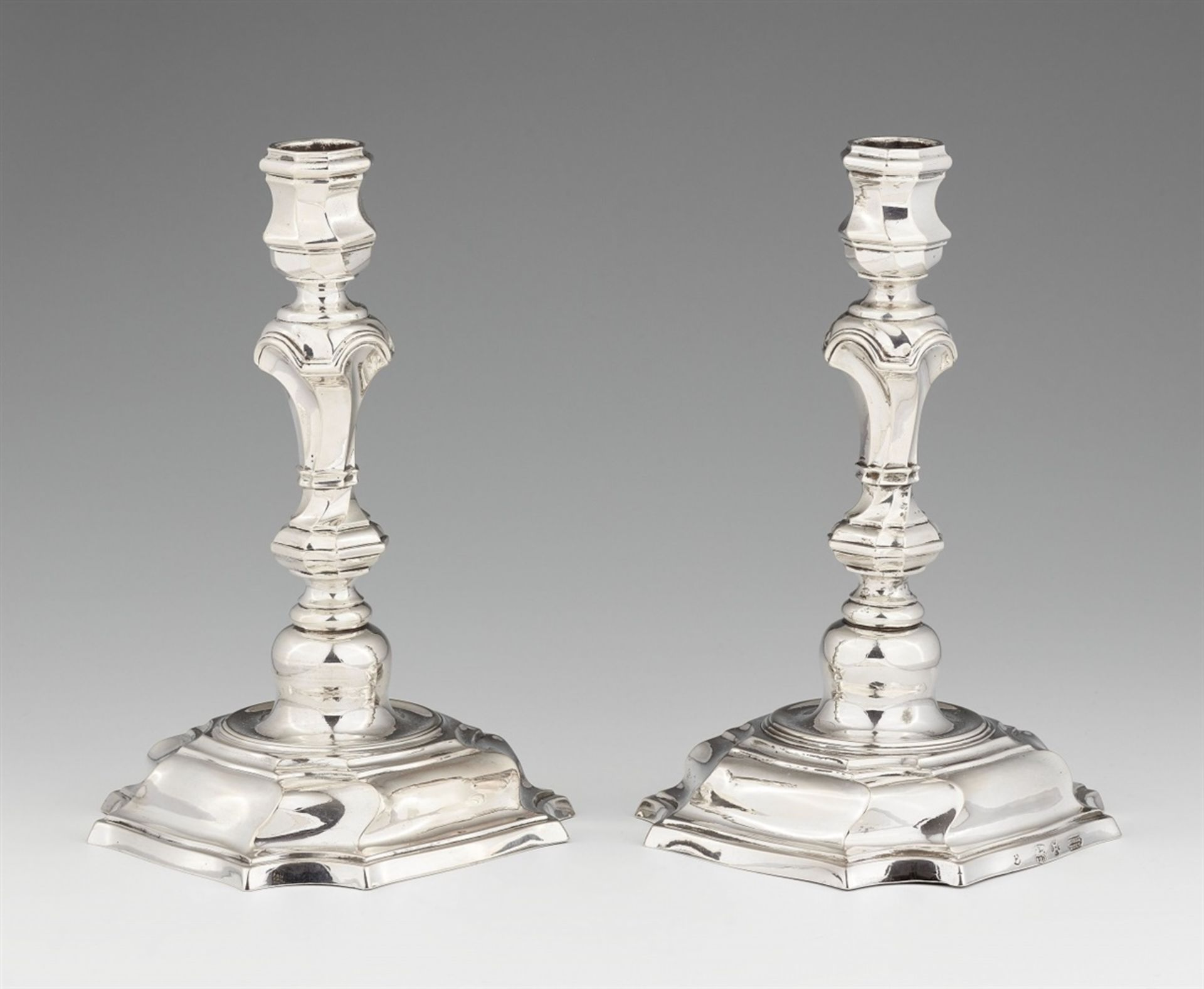 Los 740 - A pair of Hameln silver candlesticksSilver Moulded baluster-form shafts with twist fluting issuing