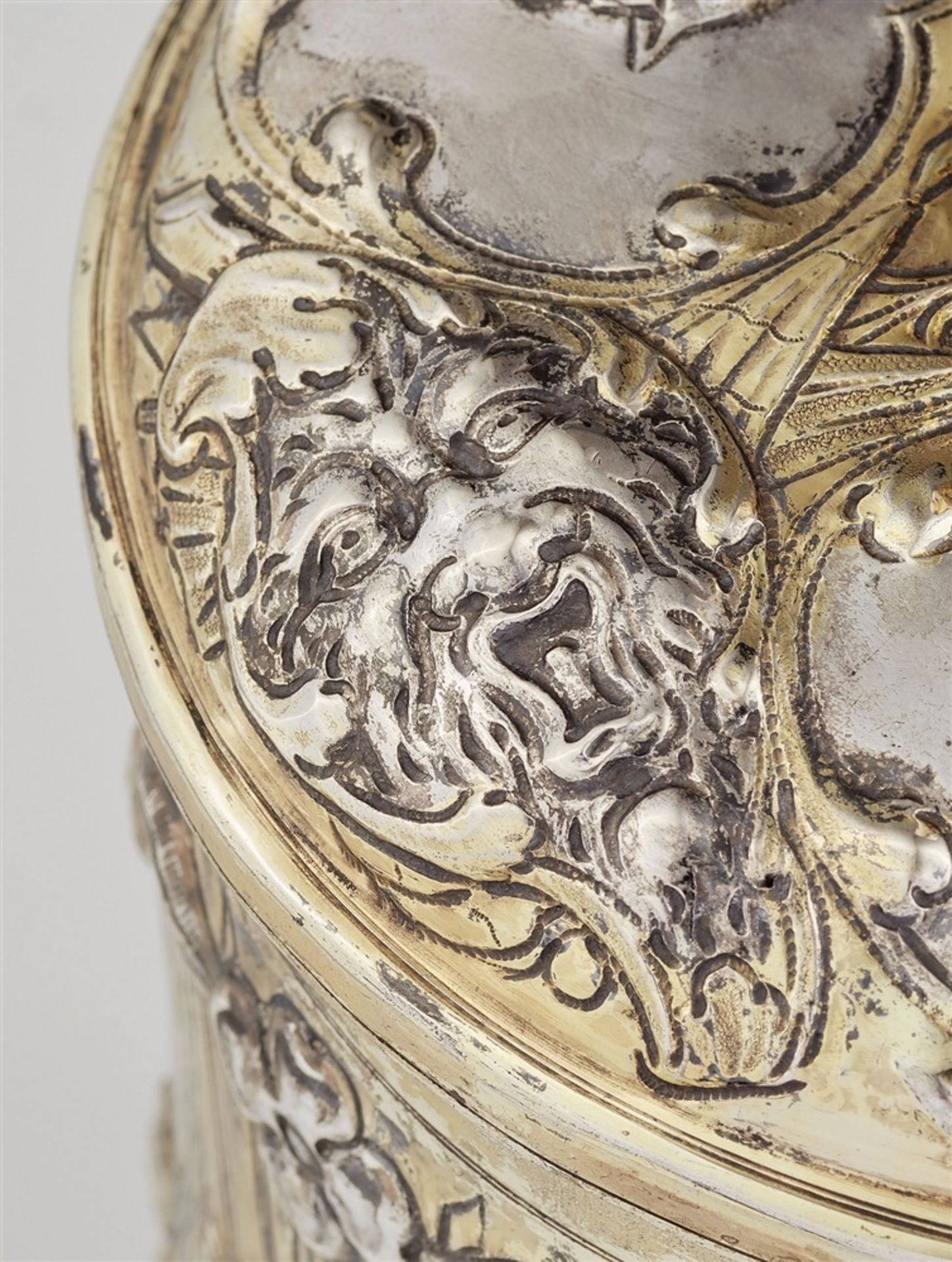 Los 726 - A large Augsburg silver beaker with portraits of emperorsSilver; partly gilded. Parcel-gilt silver
