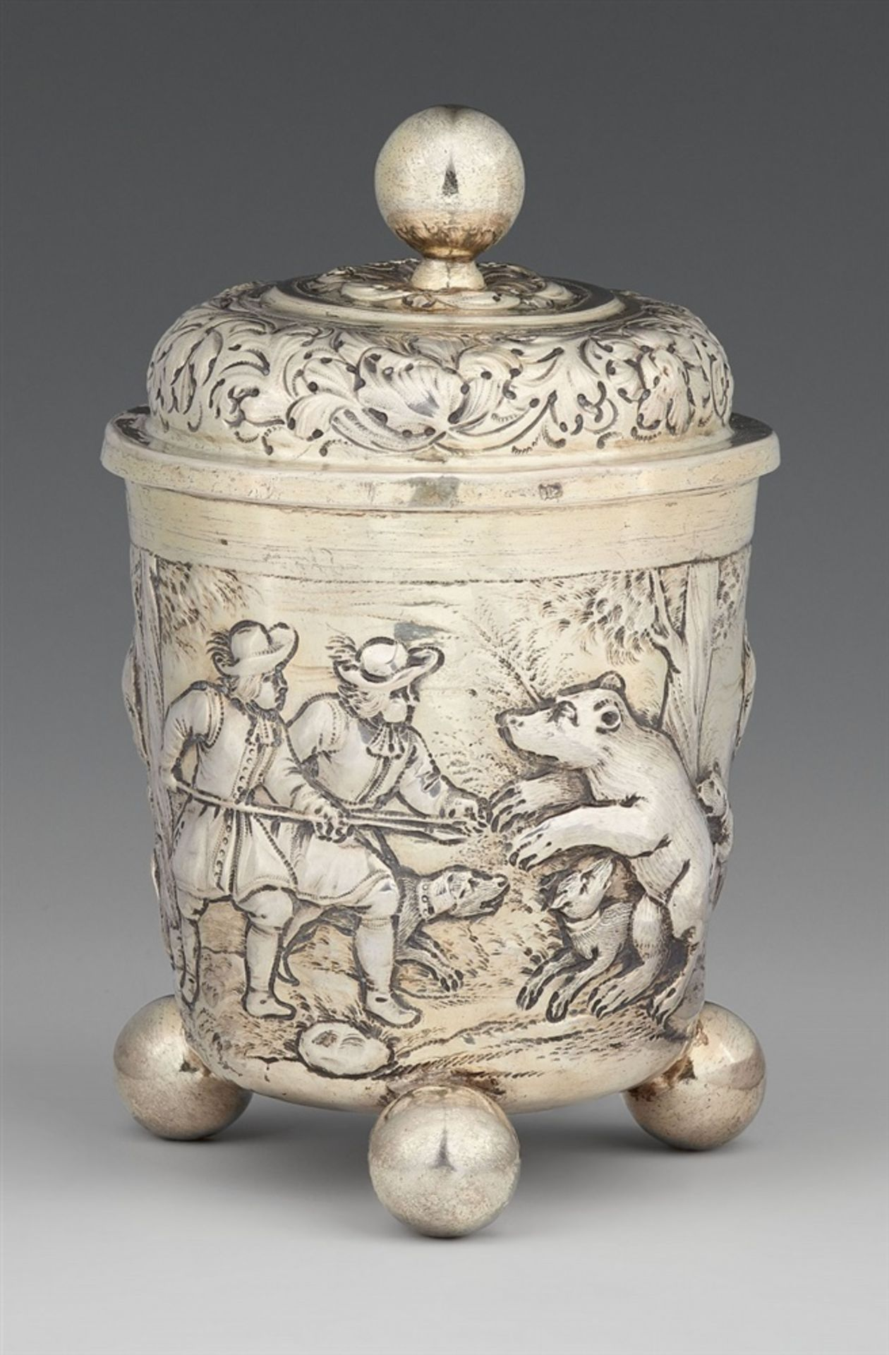 Los 743 - A Leipzig silver beakerParcel-gilt silver beaker with a domed slip lid and spherical supports.