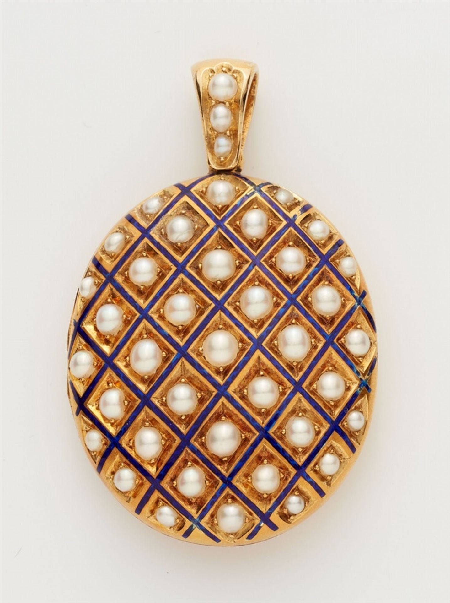 Medaillonanhänger mit Perlen