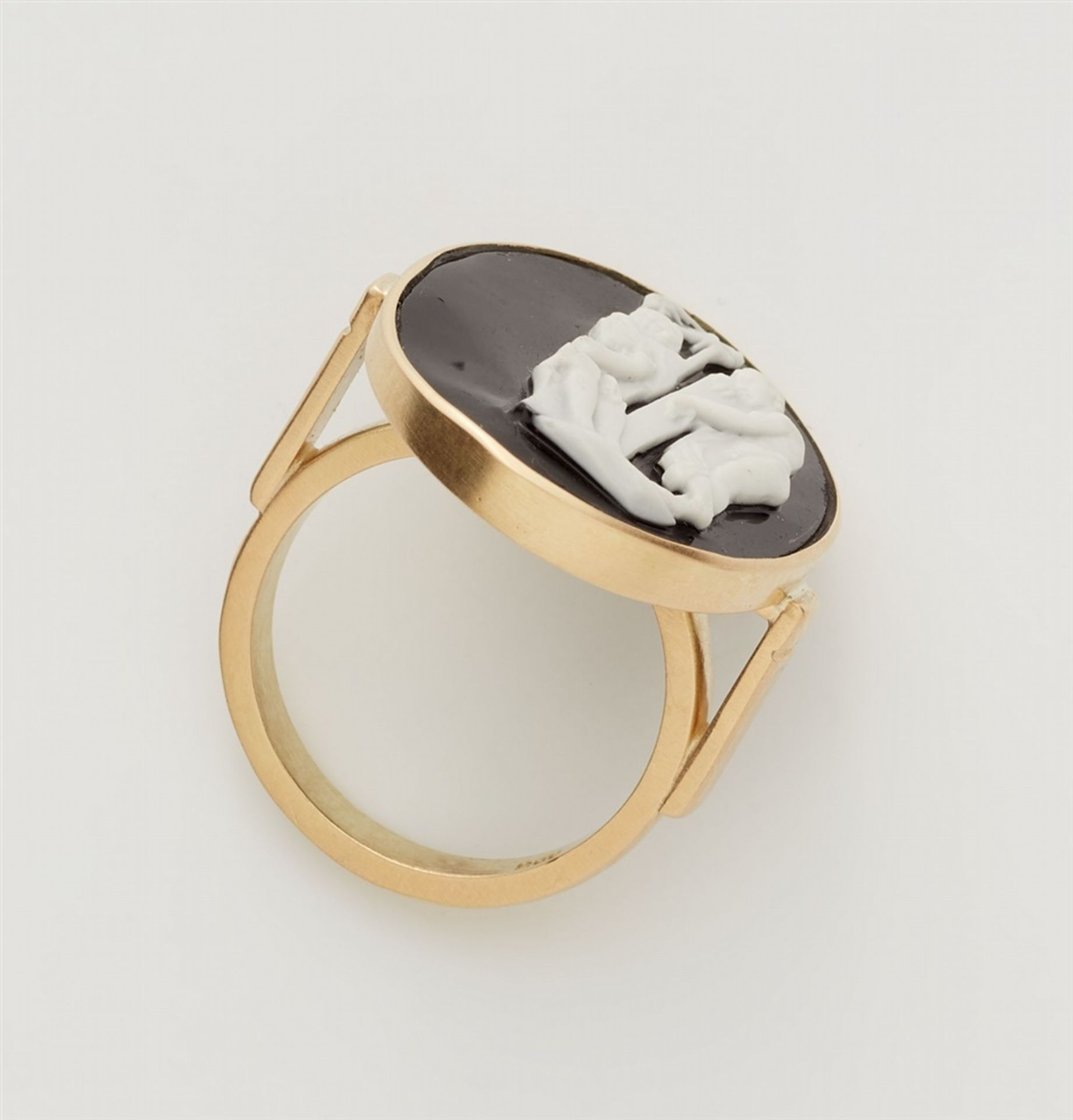 Ring mit klassizistischer Kamee - Bild 3 aus 3
