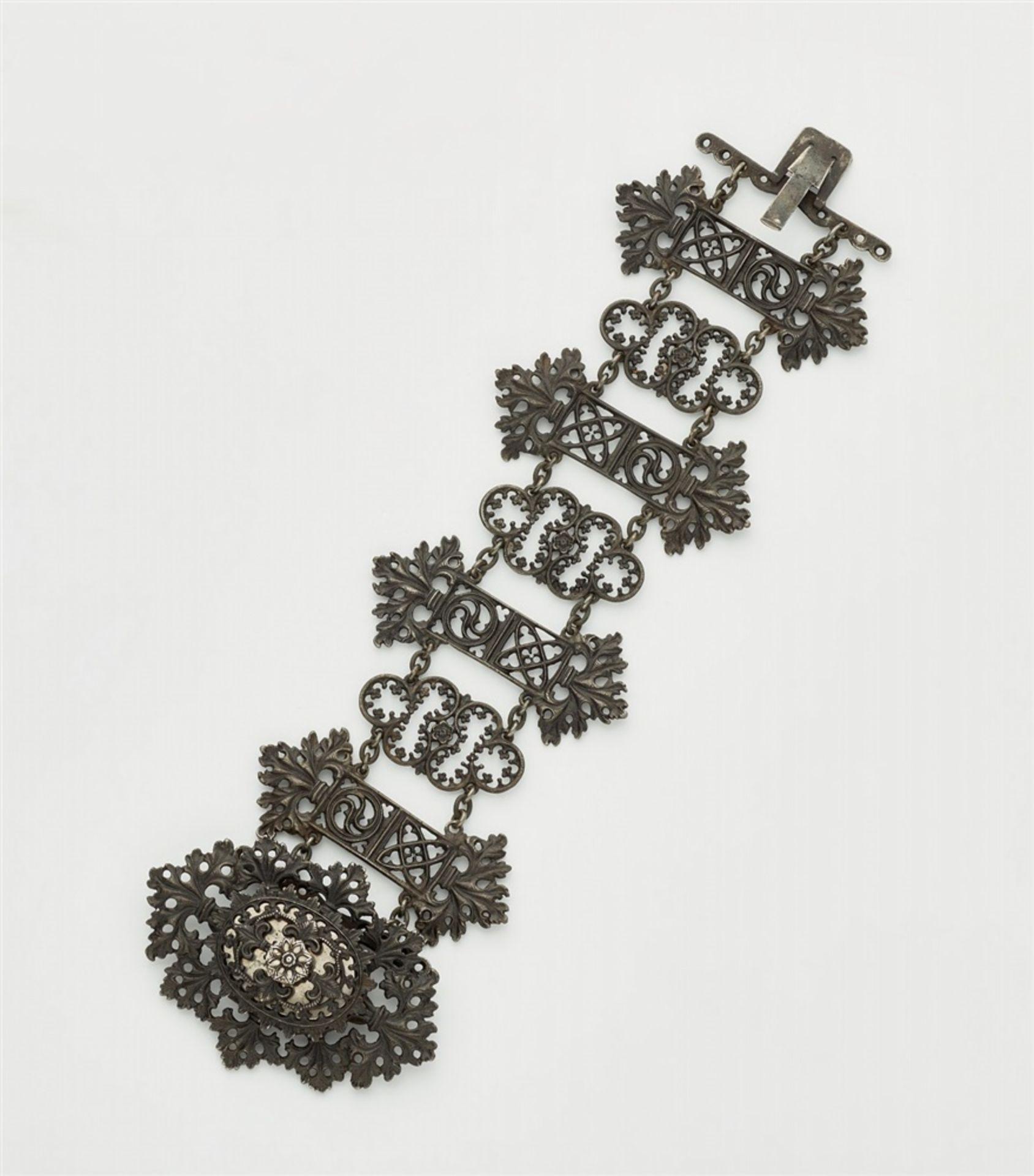 Neogotisches Armband