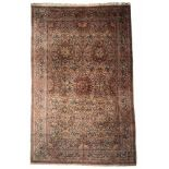 Großer iranischer Teppich