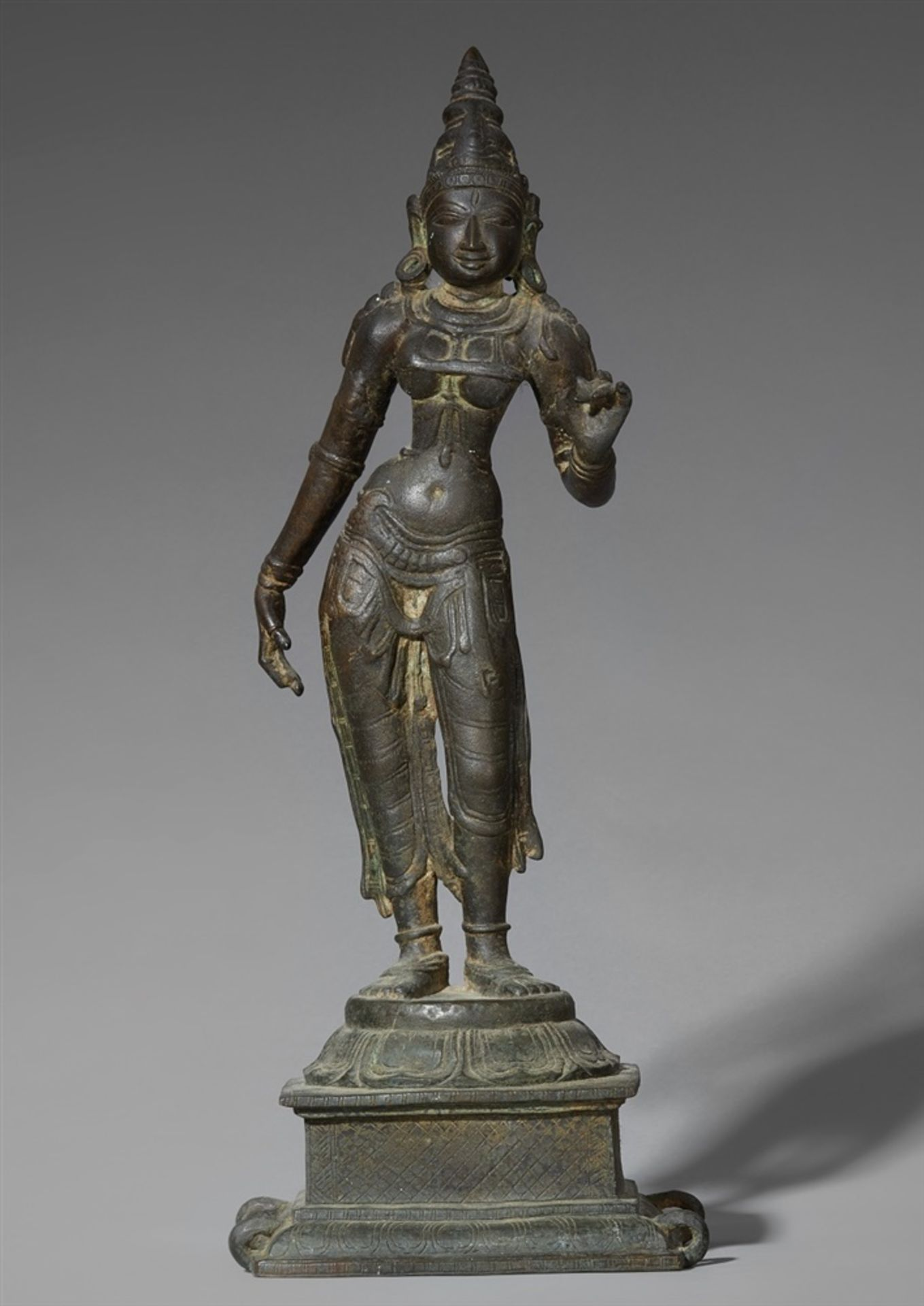 Shri Devi. Bronze. Süd-Indien. 15./16. Jh.