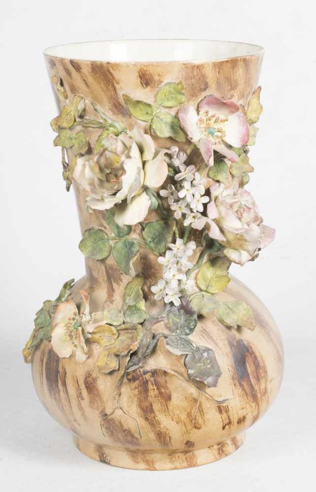 Los 39 - Polychromed barbotine vase. Longchamp. France. Circa 1900.