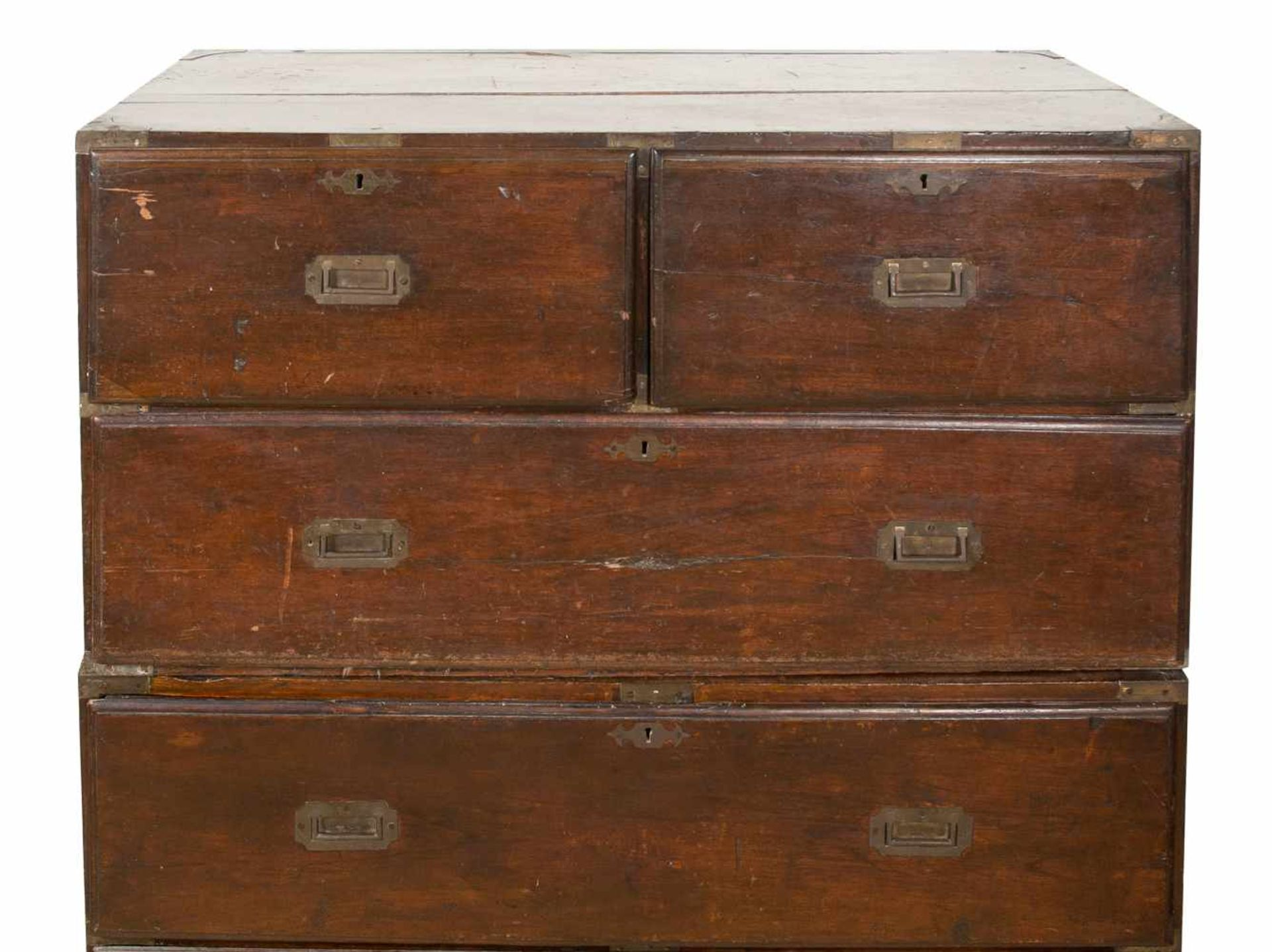 Los 52 - A cedar two-stage campaign chest of a traditional form. China. Qing dynasty. 19th century.Two s