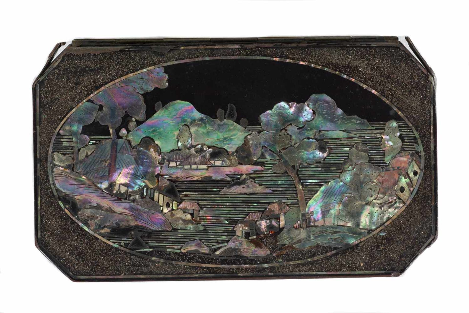 Los 55 - A pair of Japanese tobacco boxes, Black lacquer over copper, inlaid with mother-of-pearlEdo per
