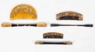 A set of three Japanese combs and pins. Edo period and Meiji period. 19th century.Long: 16 cm.,