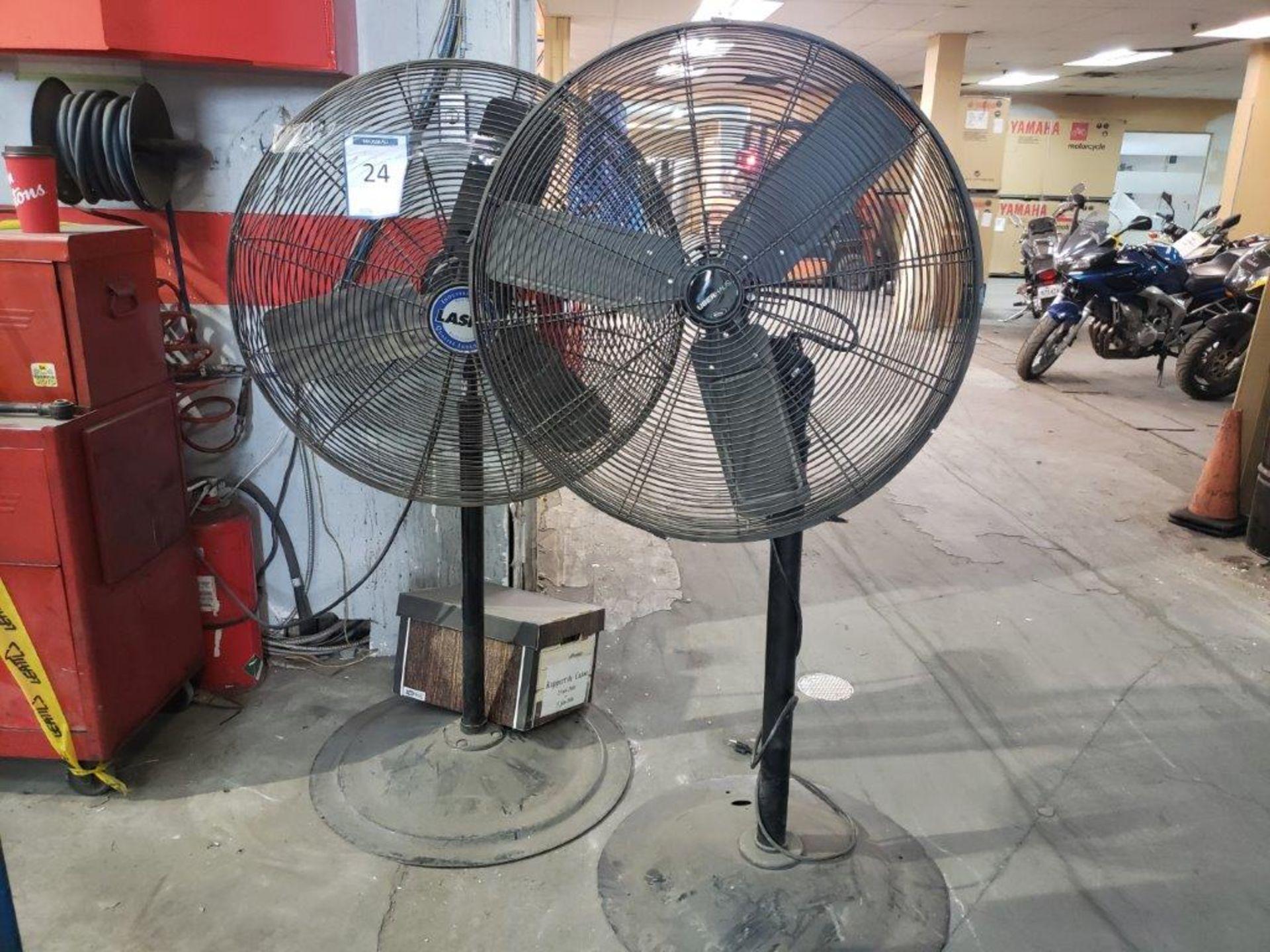 Lot 24 - 2 ventilateur sur pied