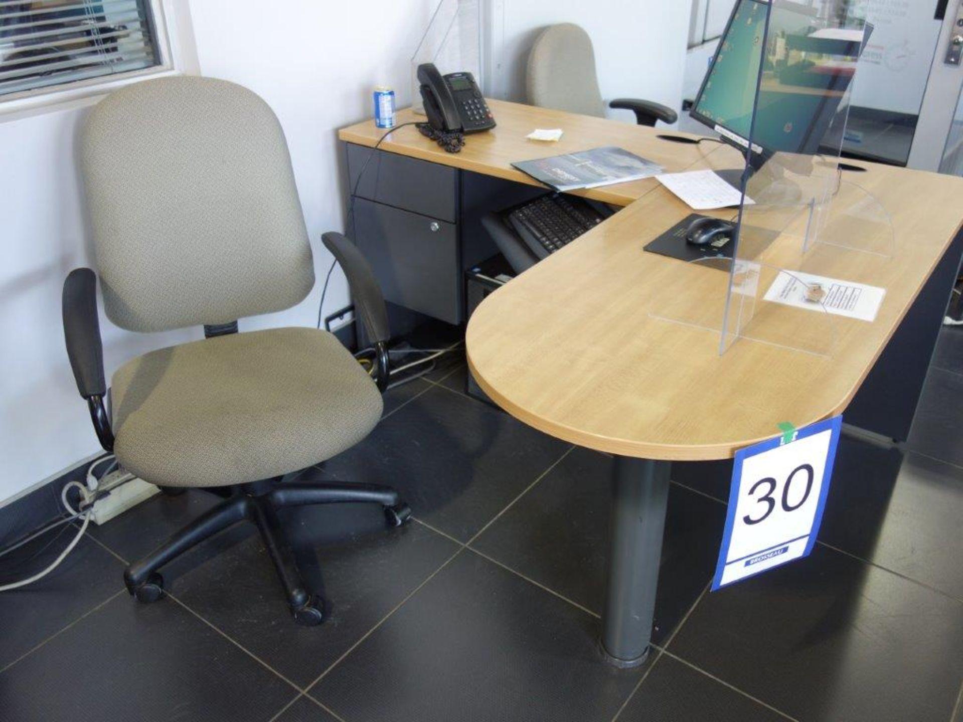 Lot : poste de travail avec retour, 2 fauteuils - SEULEMENT