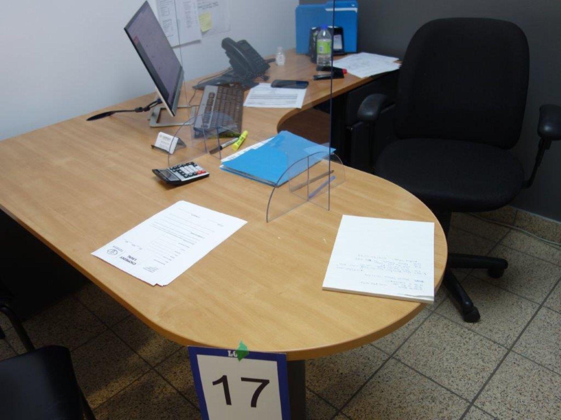 Lot : poste de travail avec retour, cabinet 2 tiroirs, 2 fauteuils - SEULEMENT - Image 2 of 3