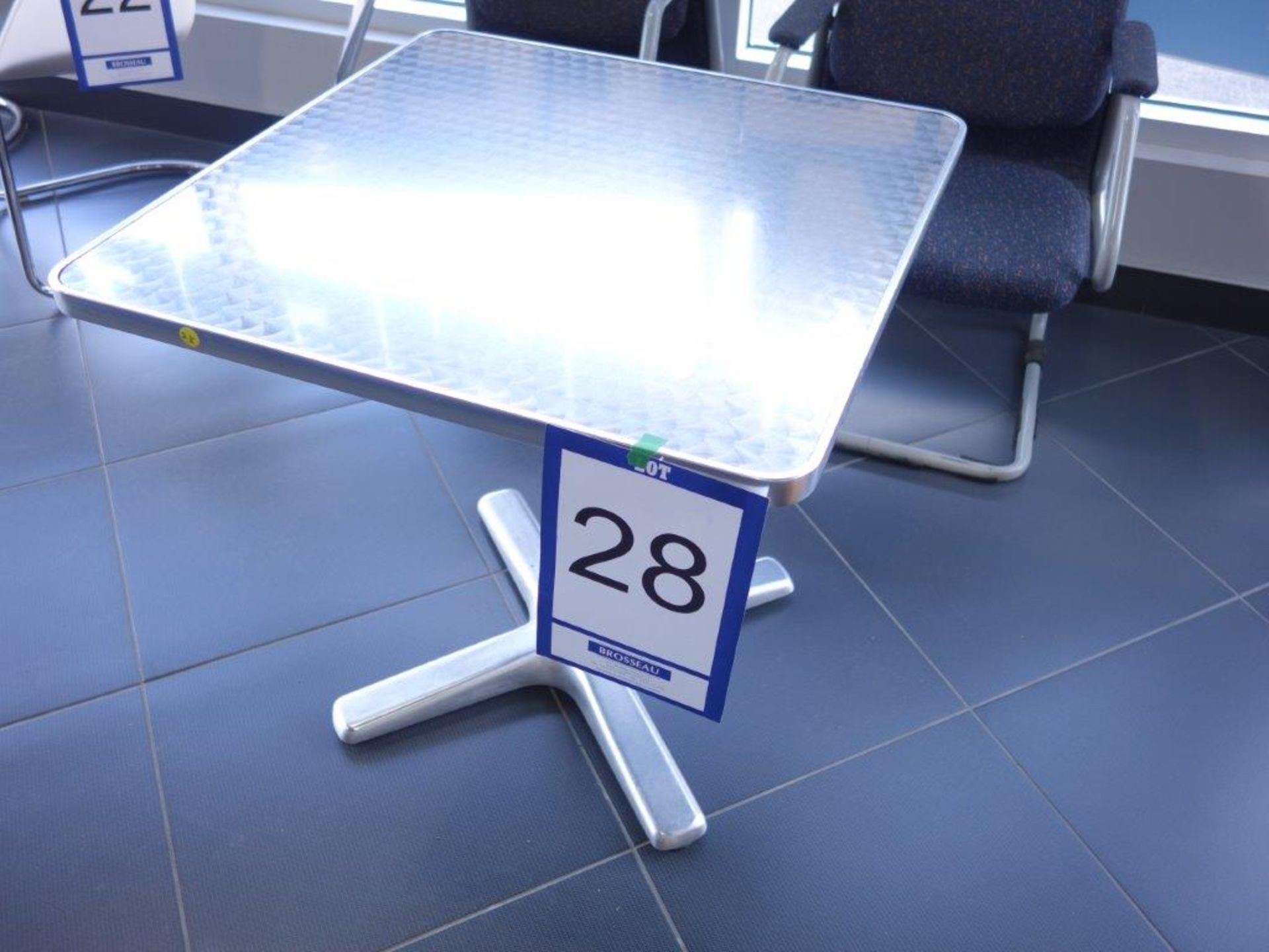 Table en aluminium