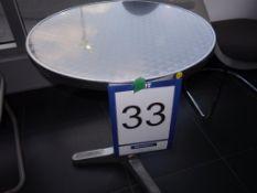 Petite table en aluminium