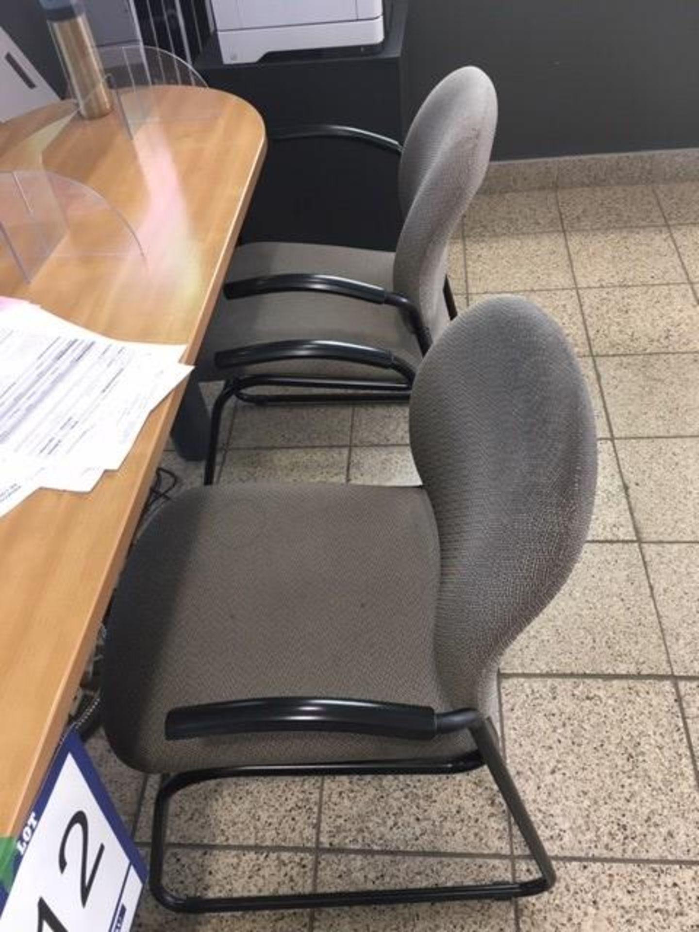 Lot : poste de travail avec retour, 3 fauteuils - SEULEMENT - Image 2 of 2