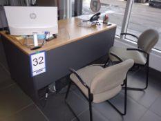 Lot : bureau, 3 fauteuils, cabinet 2 tiroirs - SEULEMENT