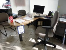 Lot : poste de travail avec retour, filière latérale 2 tiroirs, huche, 3 fauteuils - SEULEMENT