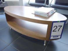 Table avec pattes en métal et fini stratifié