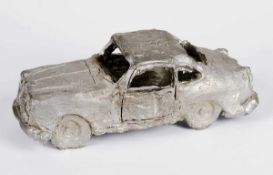 Balkenhol, Stephan(Fritzlar 1957 - lebt in Karlsruhe)Automobil. Antimon-Hartbleiguss. 2011. 12,8 x