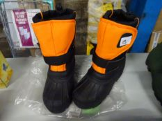 SIZE 2 KIDS WORK BOOTS
