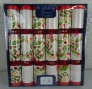 New Box Of 6 Red,Glold & Green Christmas Crackers