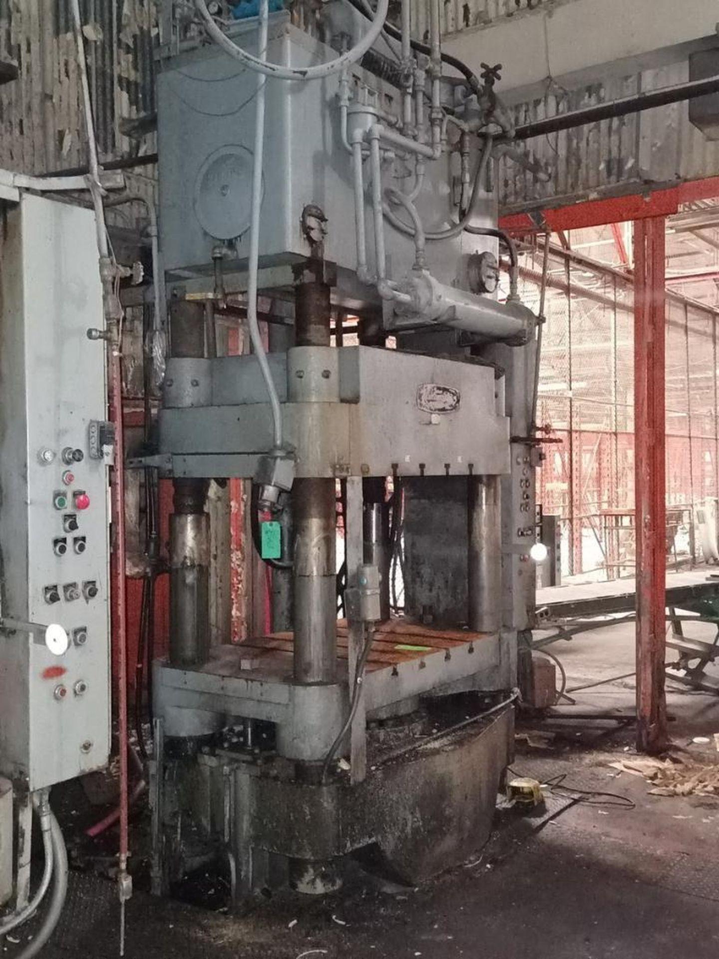 Lawson 600T 4-Post compression molding Press