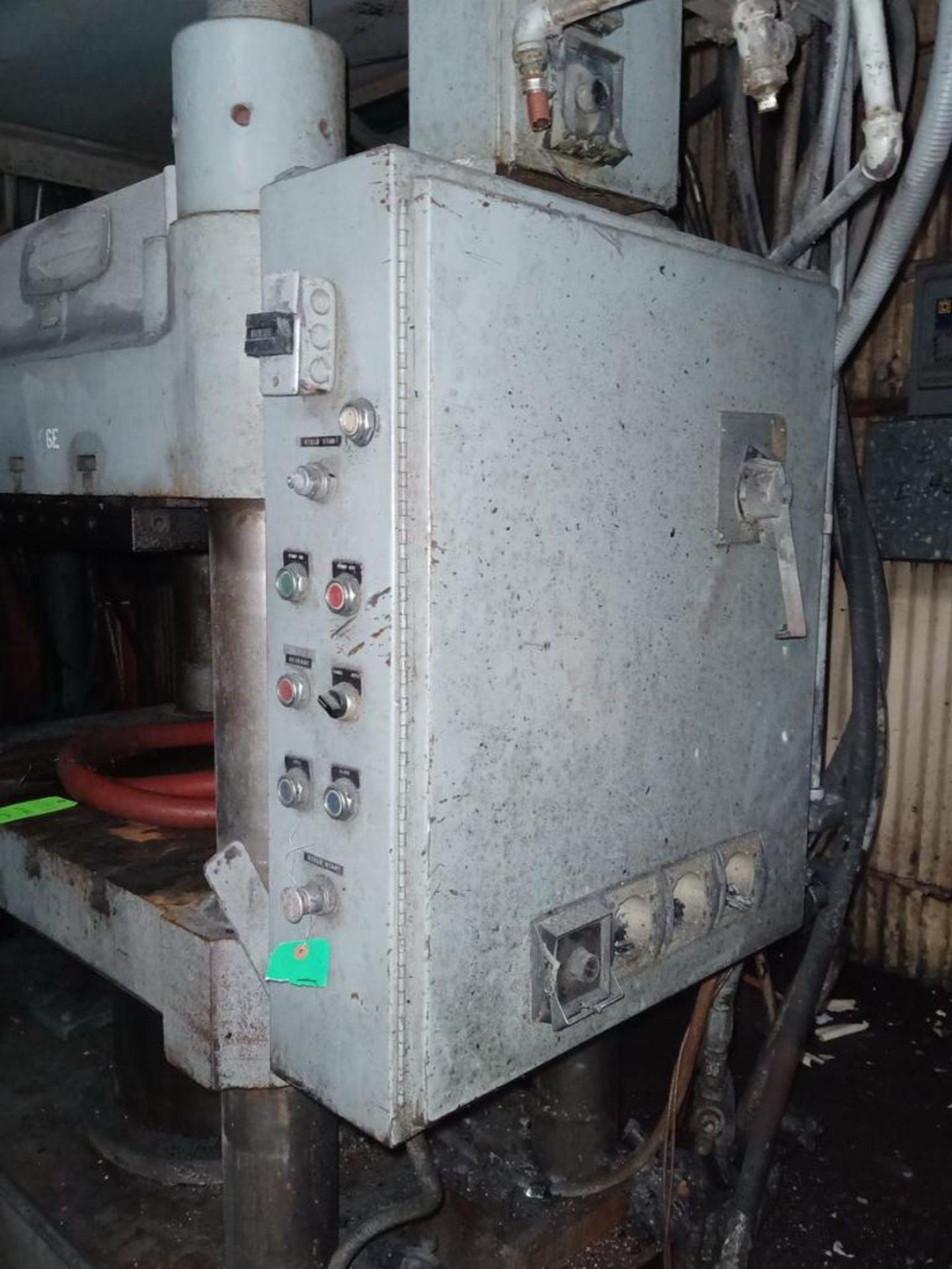Lawson 400T 4-Post compression molding Press - Image 5 of 6