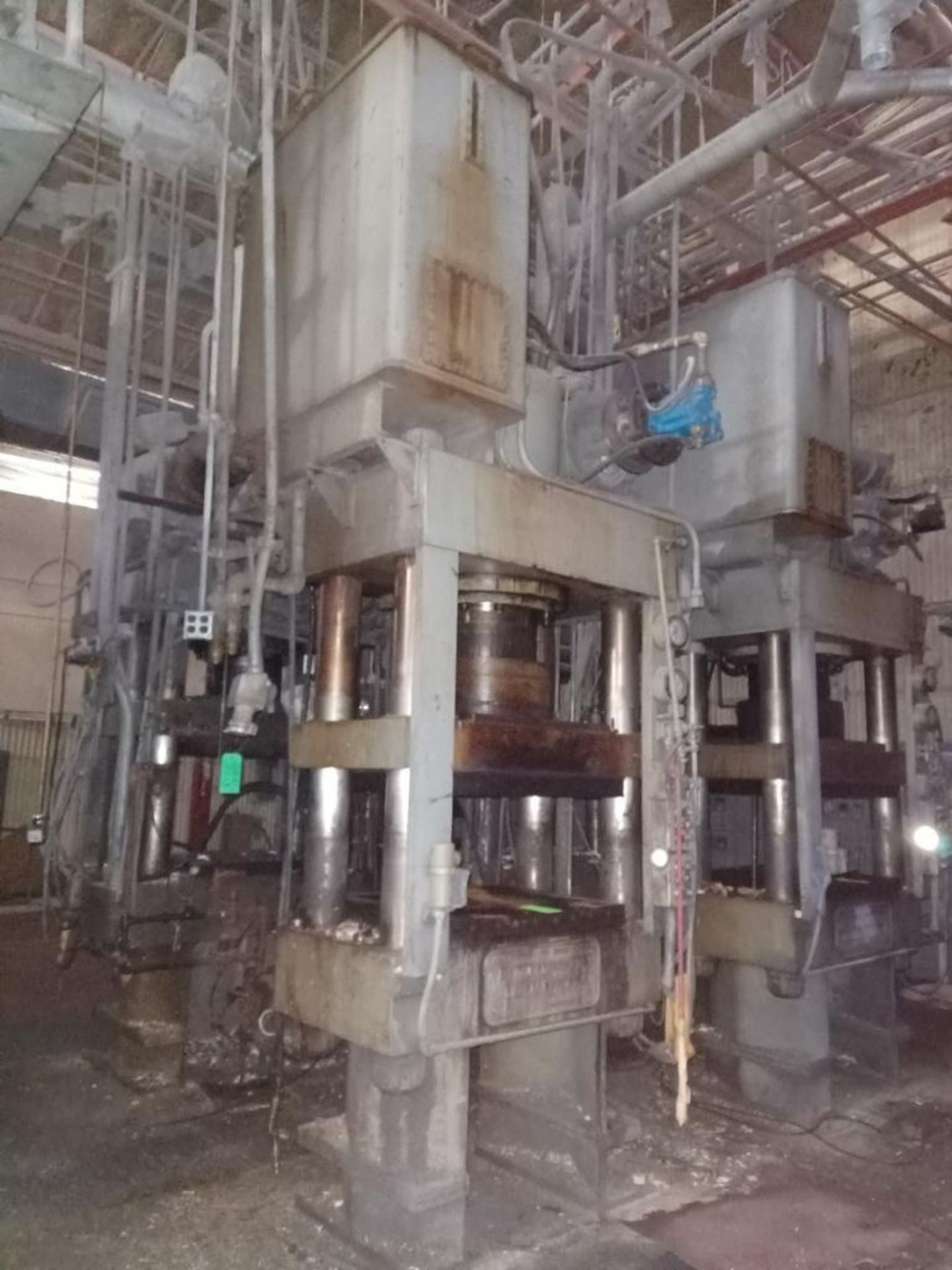 Lot 52 - HPM 400T 4-Post Compression Molding Press