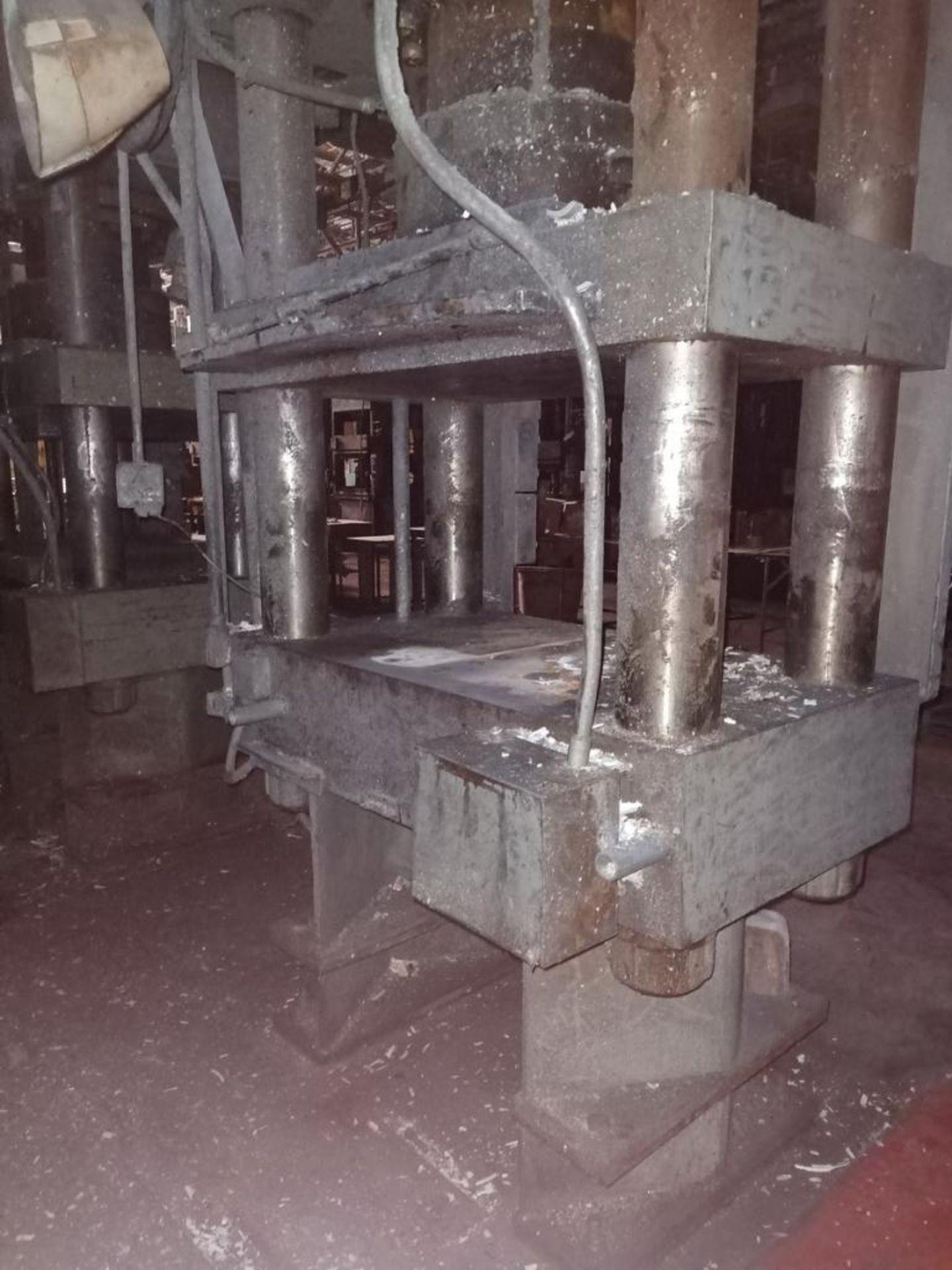 HPM 400T 4-Post compression molding Press - Image 4 of 6