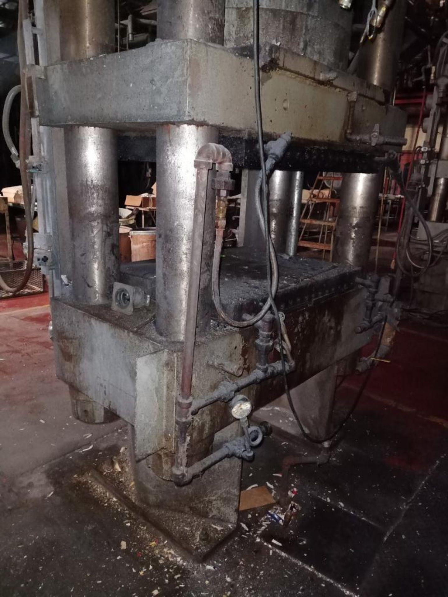 Lot 47 - HPM 500T 4-Post Compression Molding Press