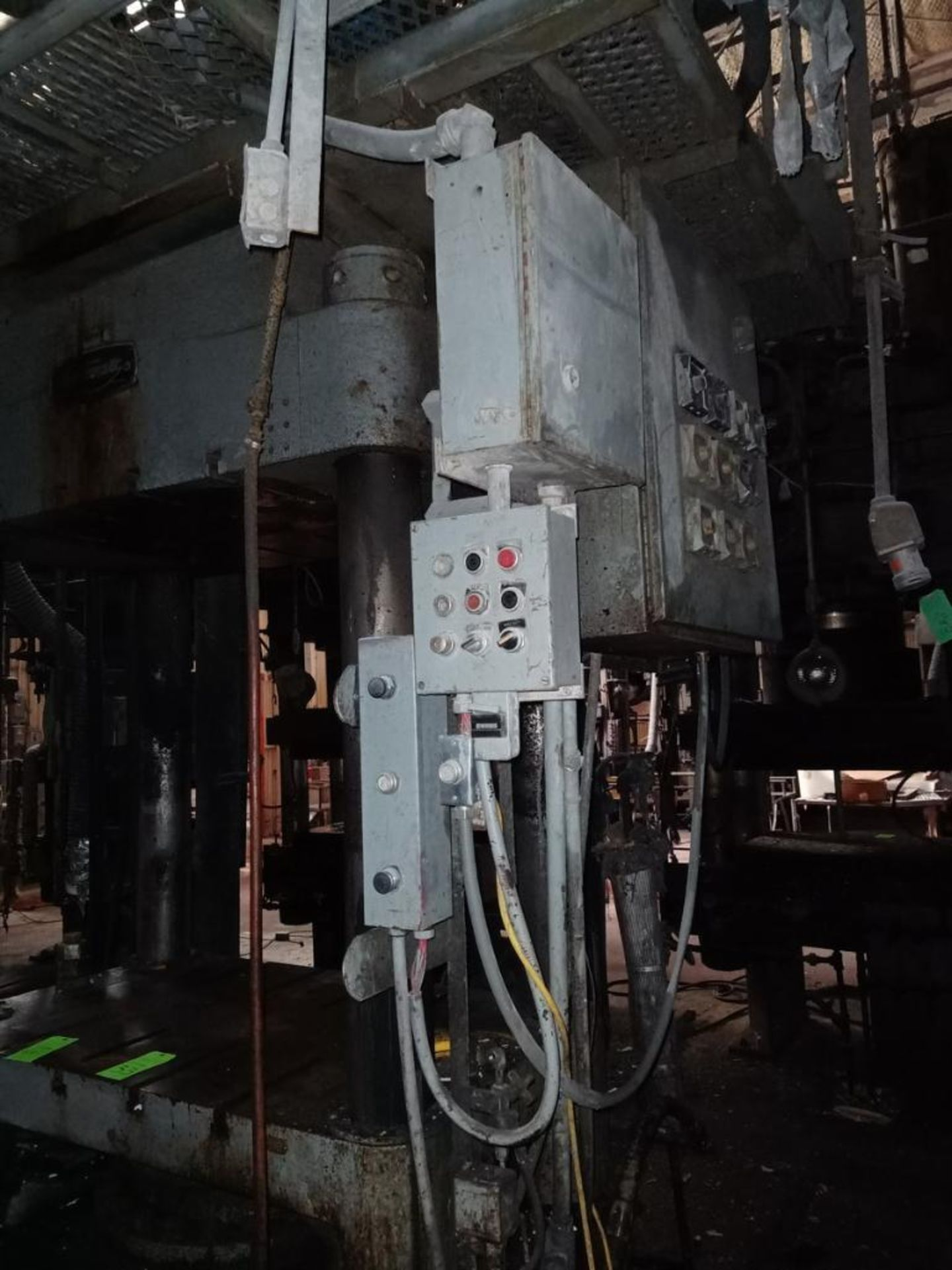 Lawson 600T 4-Post compression molding Press - Image 4 of 5