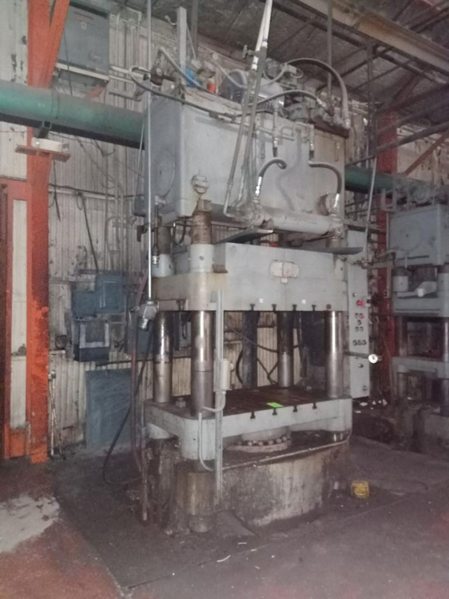 Lot 37 - Lawson 600T 4-Post compression molding Press