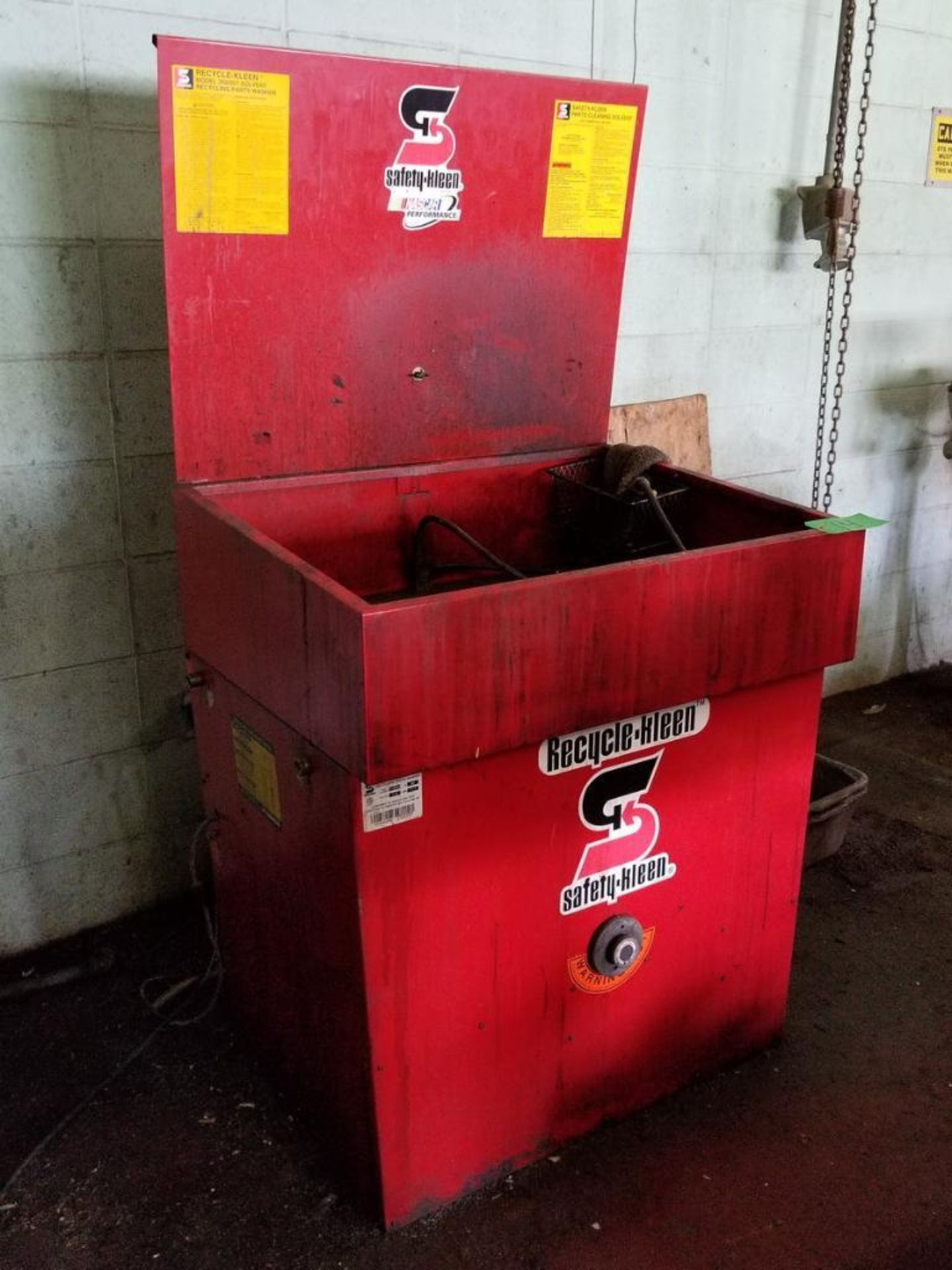 Lot 14 - Safety-Kleen Mdl. 250/257 Solvent Recycling Parts Washer