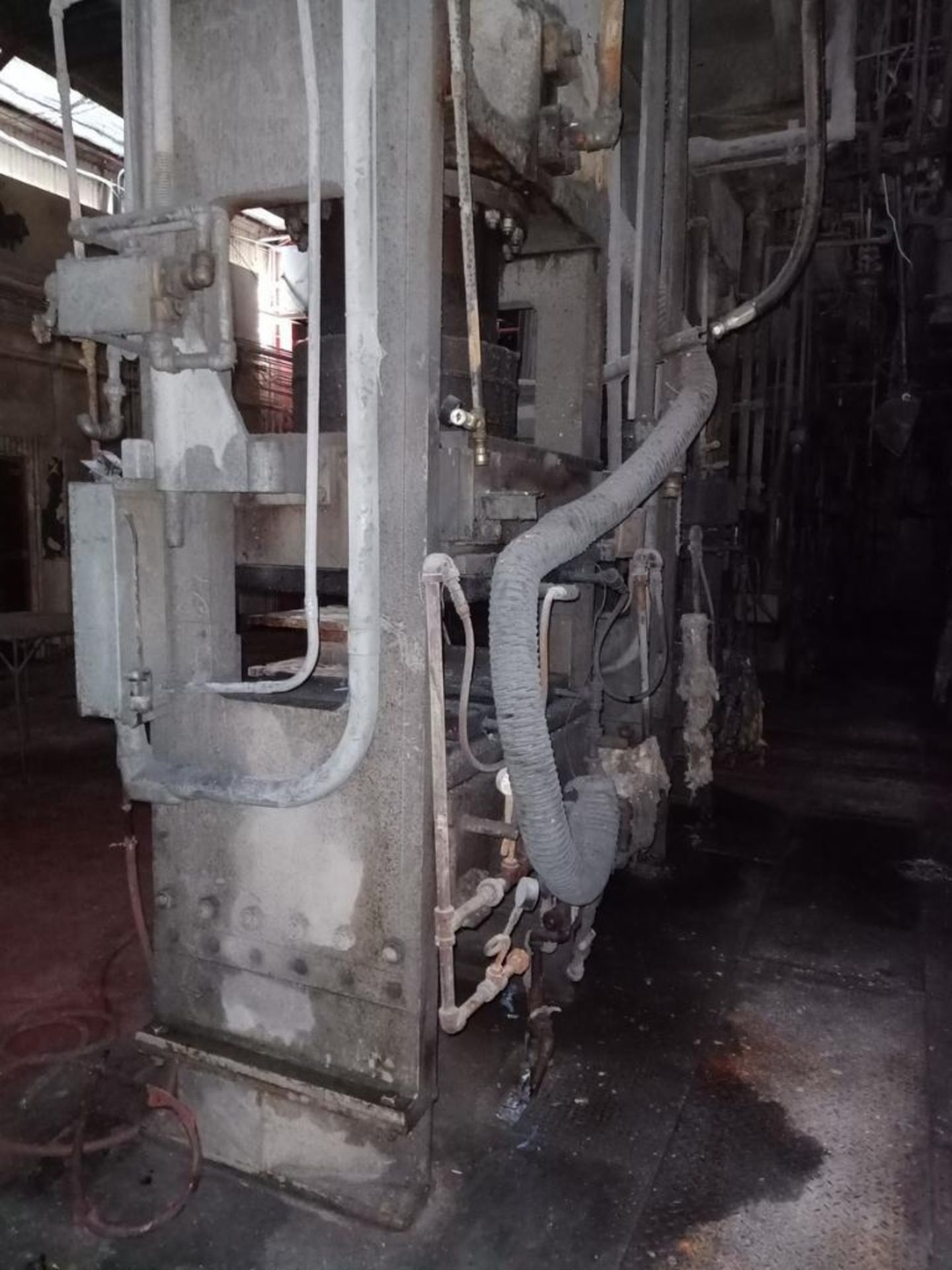 Lot 61 - French 400T 4-Post Compression Molding Press