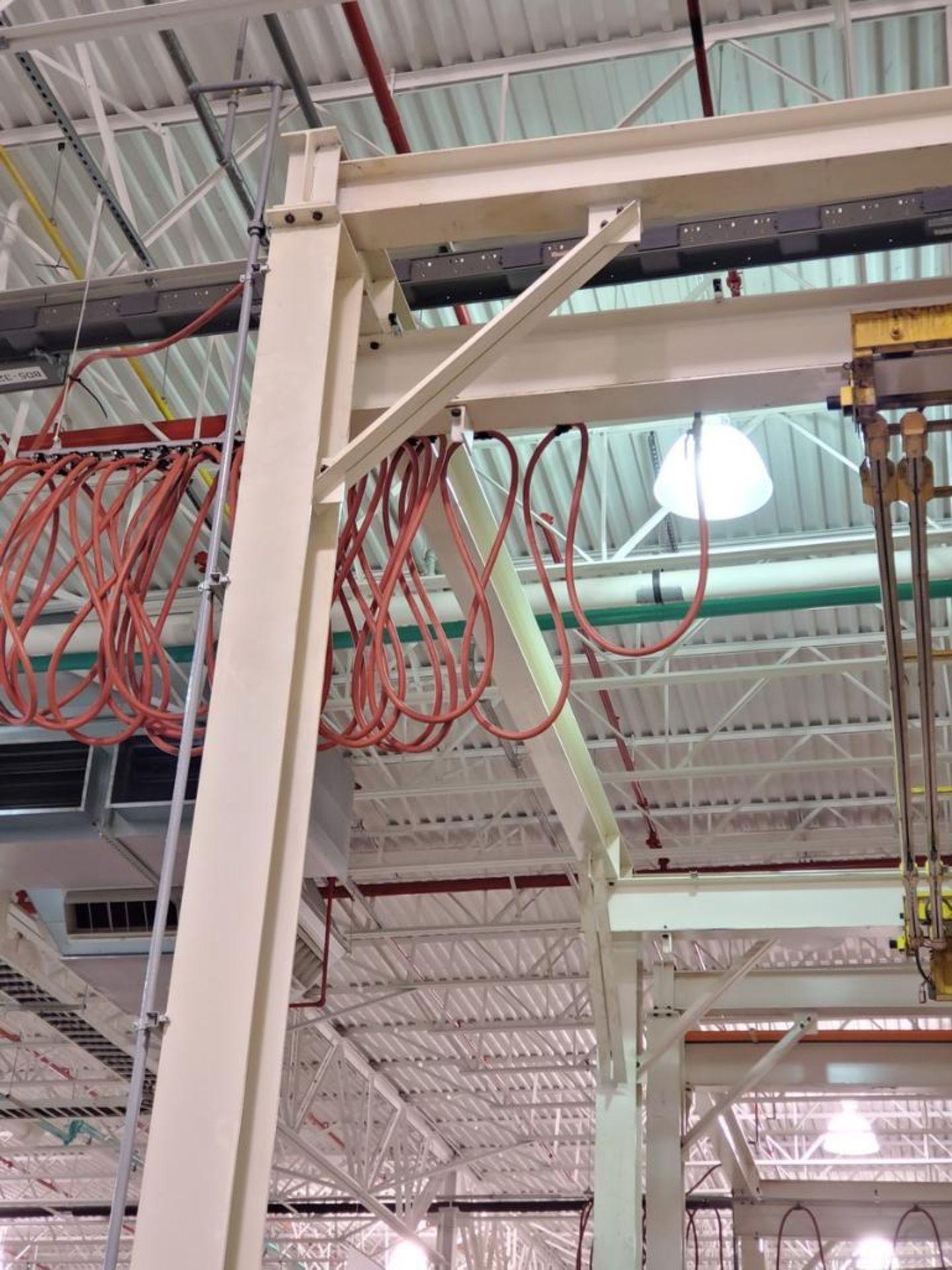 Lot 40 - Manual Crane System