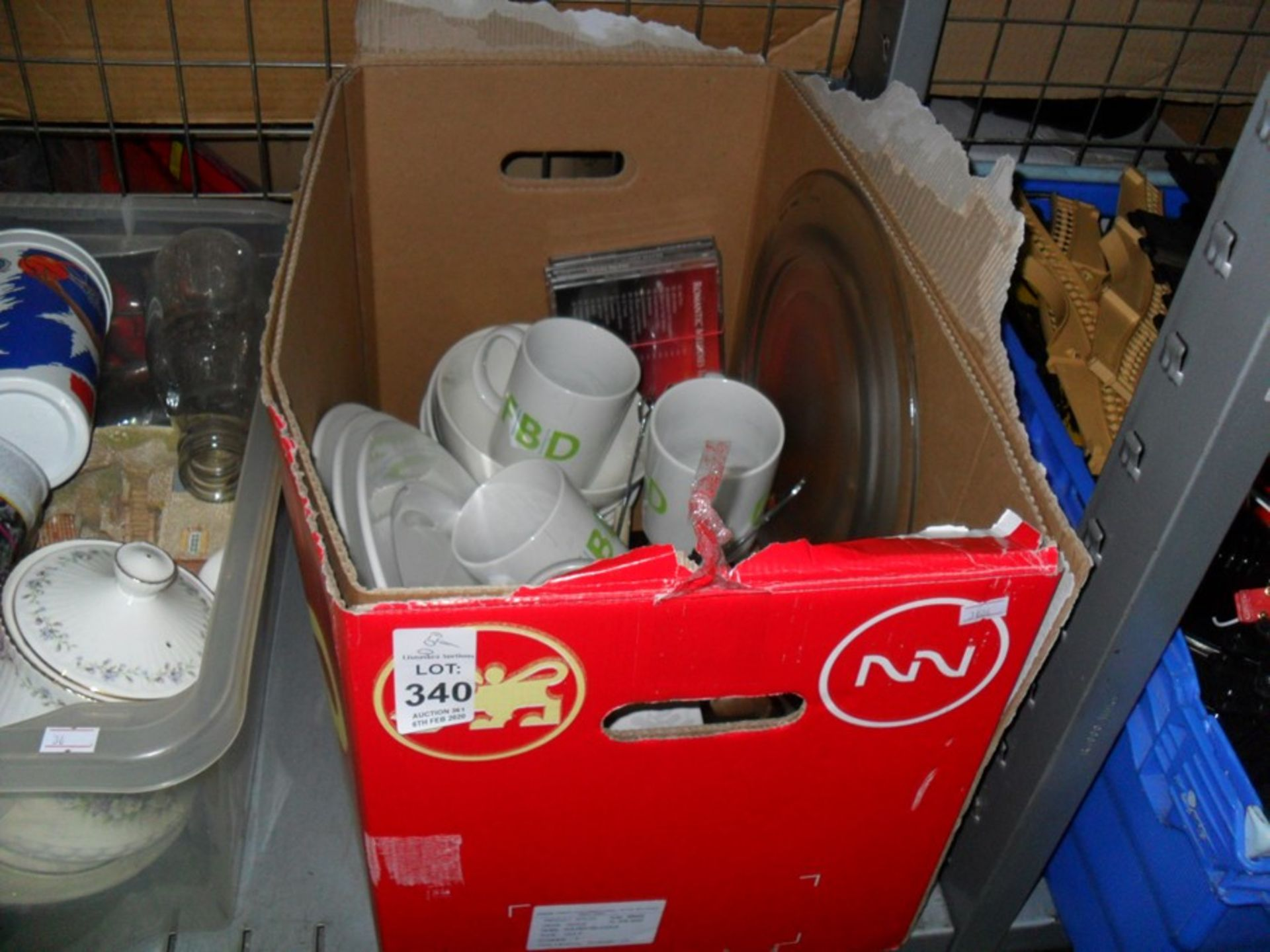 Lot 340 - BOX OF CLEAN KITCHEN CONTENTS