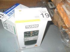 TU300 CHROMATIC TUNER (BEHRINGER) (WORKING)