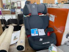 IMMACULATE MAXI COSY RODI AIR PROTECT CAR SEAT
