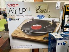 ION AIR LP BOXED BLUETOOTH WIRELESS STREAMING TURNTABLE (WORKING) (CRACKED LID)
