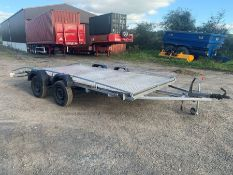 TWIN AXLE BEAVERTAIL CAR TRANSPORTER (15FT X 6.8FT) WITH CHECKERED PLATE FLOOR, LED LIGHTS & A SET