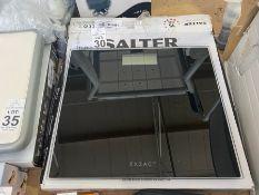 SALTER DIGITAL BATHROOM SCALES (WORKING)