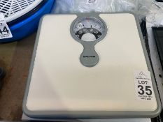 SALTER MAGNIFYING LENS BATHROOM SCALES (WORKING)