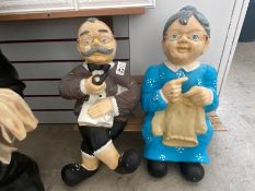 GRAN AND GRANDAD FIGURES ON BENCH 2FT TALL