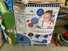 FEED ME COMPACT FOLDING HIGHCHAIR